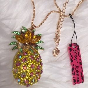 Betsey Johnson Pineapple Pendant Necklace NWT